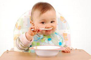Tips Pilih Sendok Makan Bayi yang Berkualitas dan Nyaman Dipakai