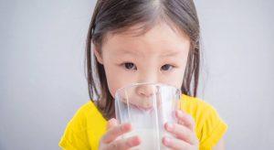 Apa Sajakah Kriteria Susu Pertumbuhan Anak yang Baik dan Aman?